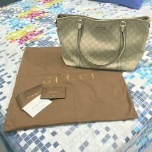 Authentic Gucci full leather tote - beige